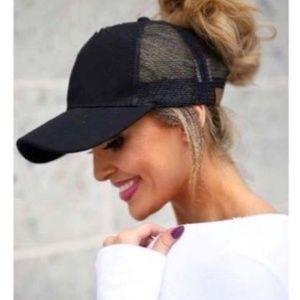 Messy hair/ponytail mesh black baseball cap